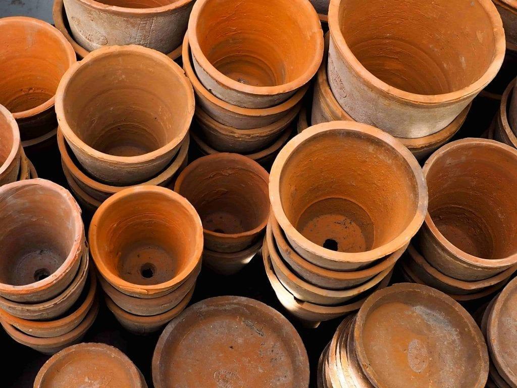assorted terra cotta flower pots as gift for gardeners