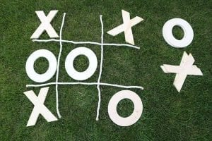 tic tac toe yard game with rope on grass